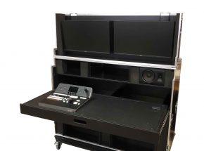 Entertainment flightcase - Regie flightcase dubbel 19 inch +uitschuif werkblad